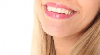Как избавиться от желтого налета на зубах в домашних условиях