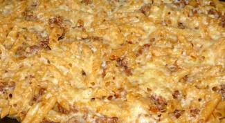 Макароны перья под сырно-сметанным соусом в духовке