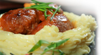 Как приготовить густую подливу с мясом?
