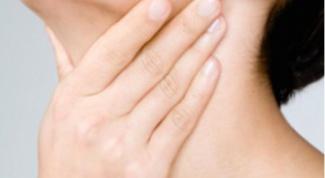 Как избавиться от боли в горле при простуде: полоскание йодом