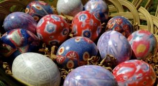 Как появилась традиция красить яйца на Пасху