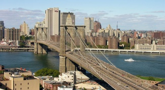 Чем известен Бруклинский мост в Нью-Йорке