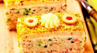 Бутербродный торт с сельдью и крабовыми палочками