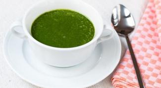 Готовим зелёный суп из щавеля