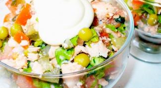 Салат с отварной горбушей
