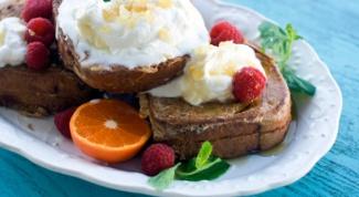 Как приготовить французские тосты с малиновой начинкой?