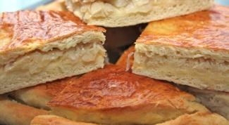 Как испечь бездрожжевой пирог с капустой