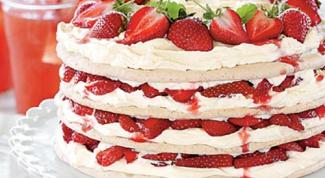 Клубничный торт безе