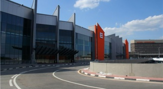 How to get to Sheremetyevo airport by taxi or Aeroexpress train, public transportation