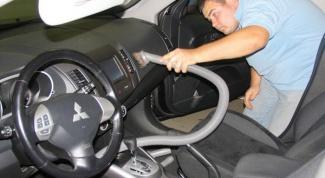 Как почистить салон автомобиля самостоятельно?