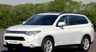 Mitsubishi Outlander: характеристики и преимущества