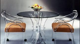 Как выбрать стеклянный обеденный стол
