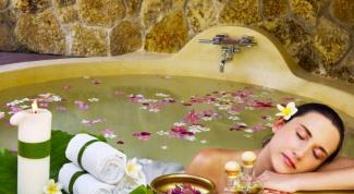 Как приготовить расслабляющую ванну дома