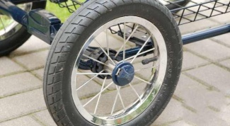 How to repair a wheel from a baby stroller