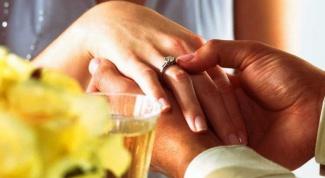 Помолвочное кольцо: нюансы выбора