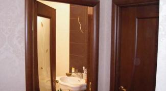 Как самостоятельно установить двери в ванную и туалет