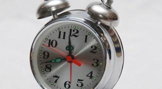 Как сделать пробуждение приятным: выбираем будильник