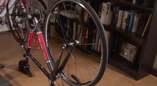 Как поменять колесо велосипеда