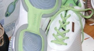 Революционные кроссовки Reebok EasyTone: в чем их особенность?