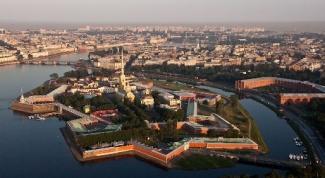 Путешествие из Москвы в Петербург