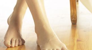 Несколько причин растрескивания кожи пяток
