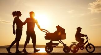 Нужна ли коляска двухлетнему ребенку