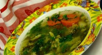 Суп из брокколи, картофеля и шпината