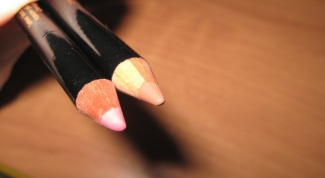 How to choose the color of the lip pencil