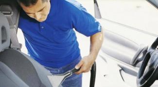 Как убрать запах сигарет из салона авто