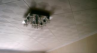 Как демонтировать потолочную плитку