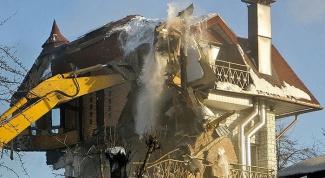 Как по закону обязаны возместить имущество, если жилье сносят