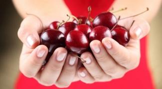 Как удалить косточки из вишни