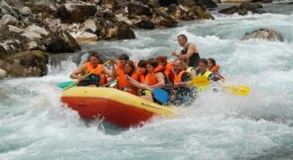 Как сплавиться по горной реке