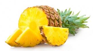 Почему от ананаса щипет язык и рот
