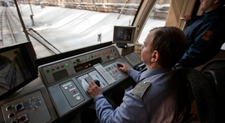 How to become a train driver