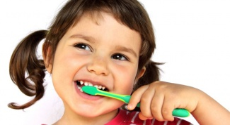 What to do if your child has bleeding gums
