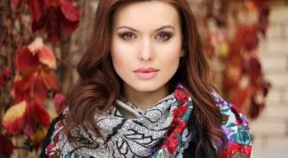 Как оригинально носить платки, шарфы и шали