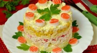 Ананасовый салат с крабовыми палочками