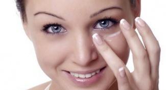 Домашние маски для кожи в области глаз