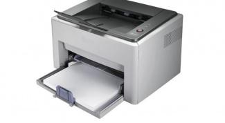 Как заменить тонер в принтере