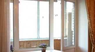 Как заменить балконную дверь самому