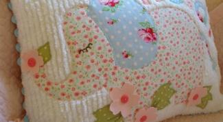 Детская подушка в технике синель