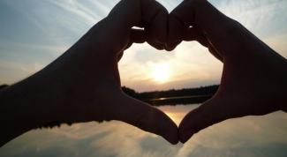 Почему девушки боятся признаваться в любви мужчине первыми
