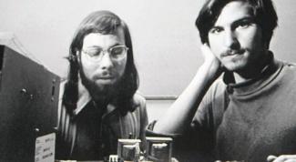 Как образовалась компания Apple