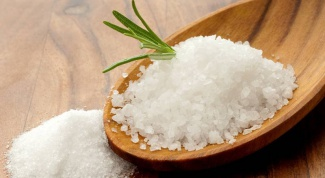 What is the difference between sea and table salt
