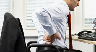 To what doctor it is better to turn if back pain