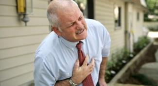 О чем сигнализируют боли в грудной клетке при вдохе