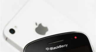 Как сделать выбор между iphone4, blackberry и  vertu