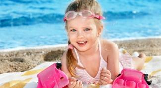 Как защитить ребенка от жары и солнца