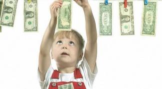 Как научить ребенка правильно обращаться с деньгами